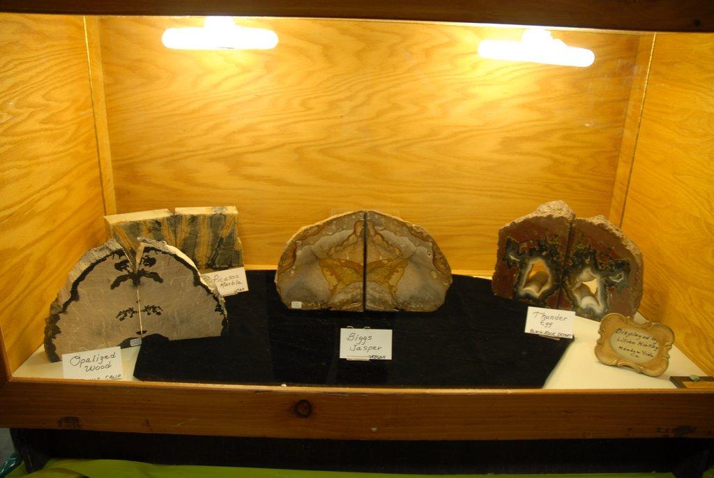 exhibits_2011l
