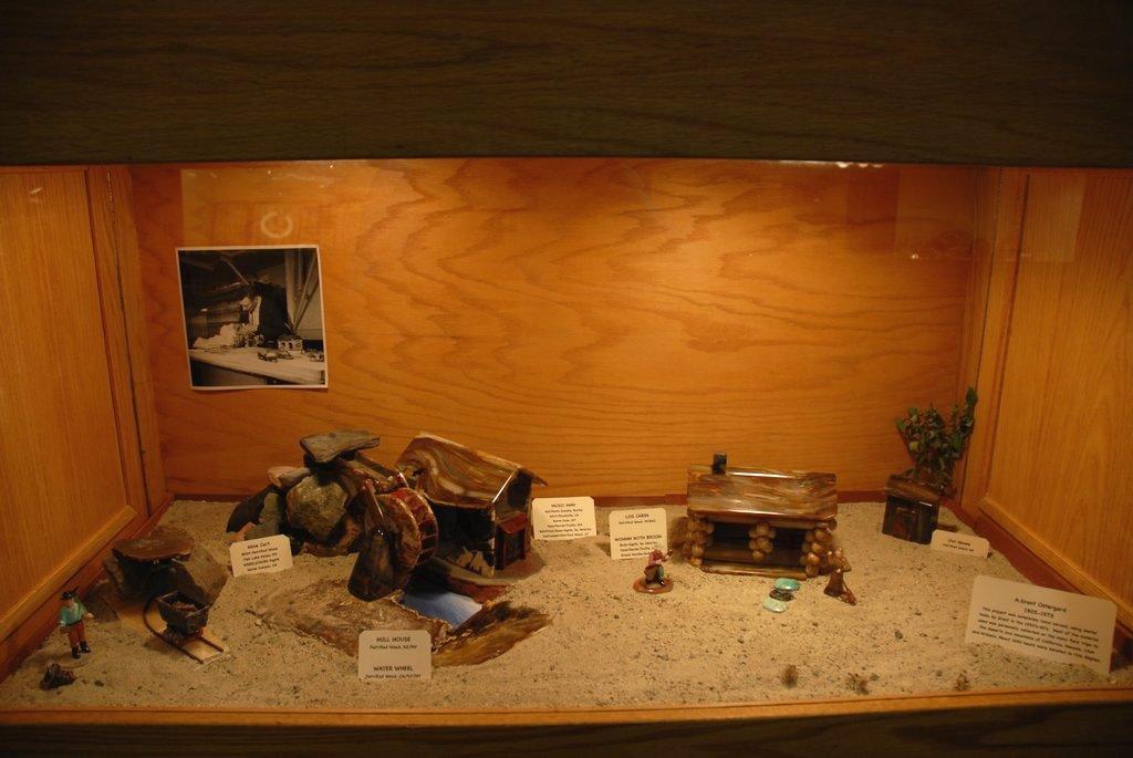 exhibits_2011o