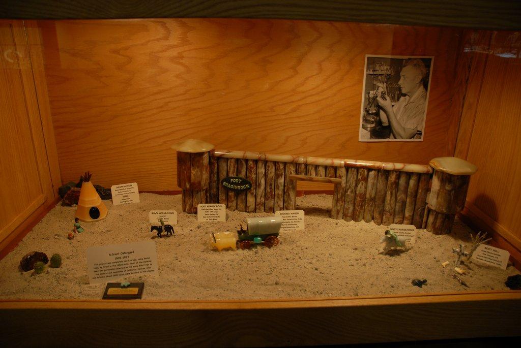 exhibits_2011r